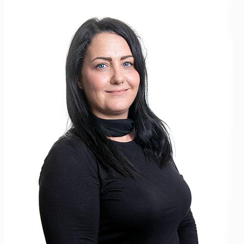 Laura Nicholson